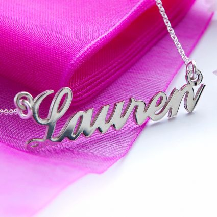 9ct White Gold Carrie Style Personalised Name Necklace (Sex & The City)